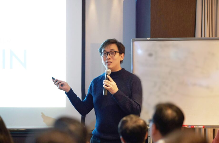 Anndy Lian Lectures at Korea Blockchain Immersion Trip Supported by Ministry of Education Singapore: LINFINITY's Customized Solution